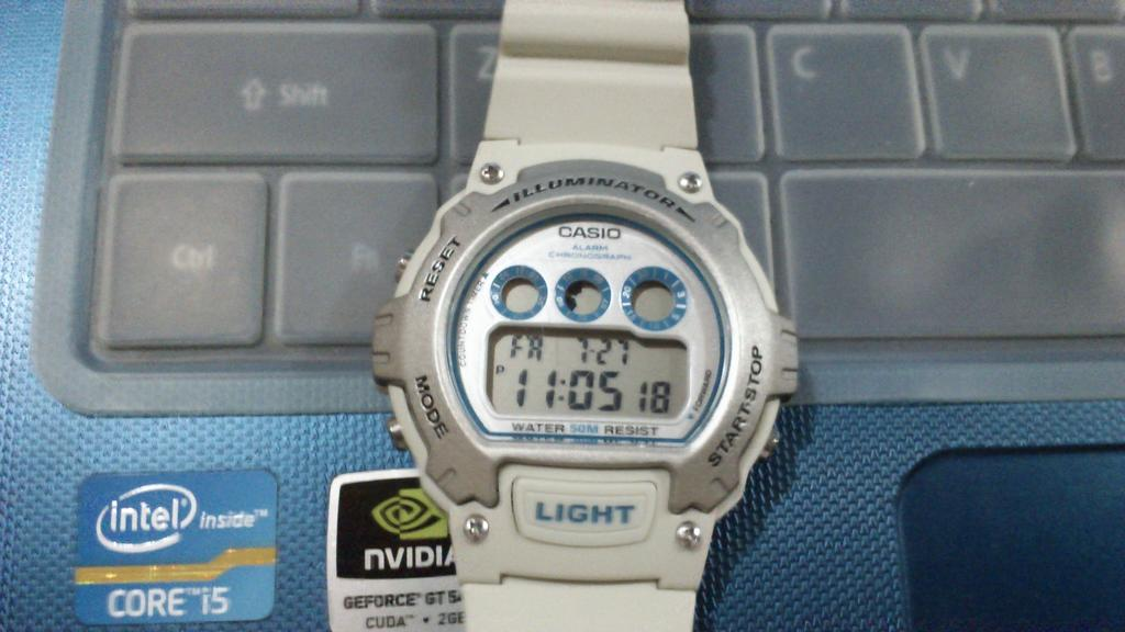 Click image for larger version.  Name:onepiece watch box.jpg Views:215 Size:88.3 KB ID:8540