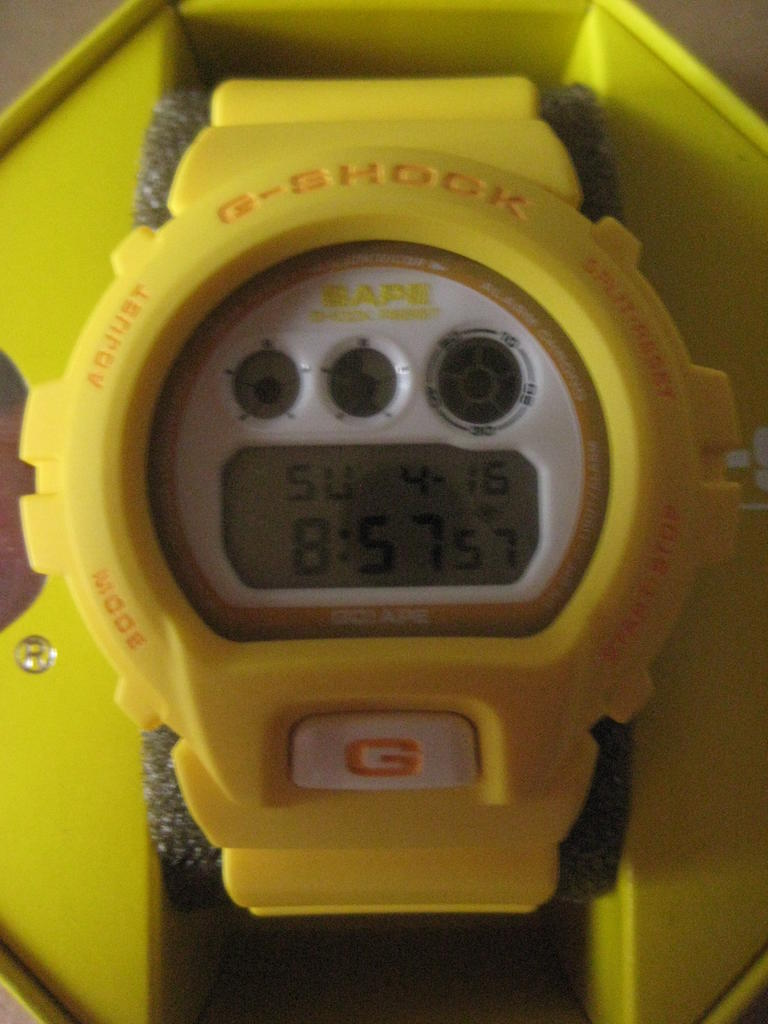 Click image for larger version.  Name:gshock-Bape-DW-6900-yellow-NFS-171.jpg Views:148 Size:80.8 KB ID:10942