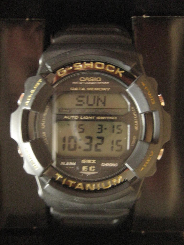 Click image for larger version.  Name:gshock-EricClapton-GS-100EC-1T-101.jpg Views:458 Size:94.8 KB ID:10056