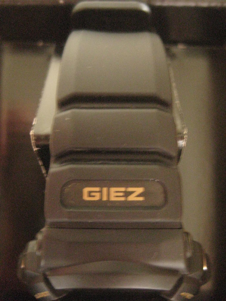 Click image for larger version.  Name:gshock-EricClapton-GS-100EC-1T-103.jpg Views:322 Size:97.6 KB ID:10058