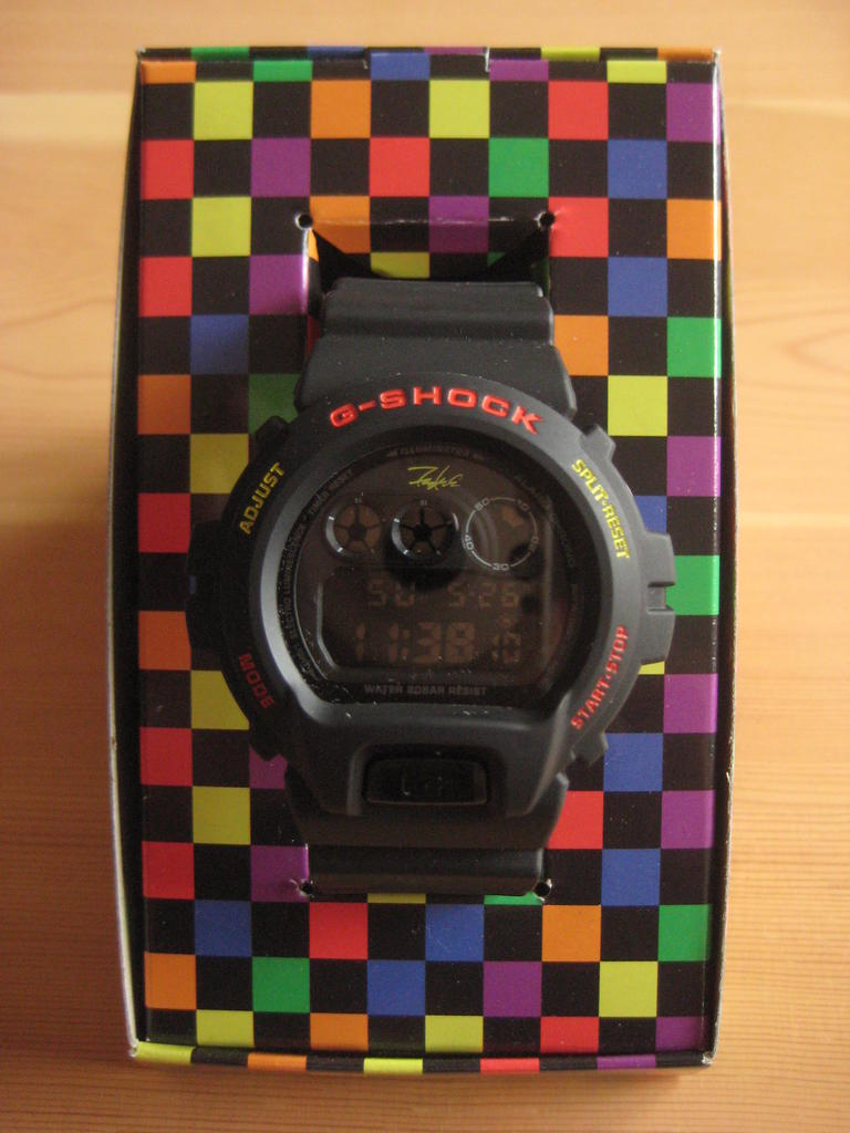 Click image for larger version.  Name:gshock-Futura-DW-6900-2008-131.jpg Views:166 Size:84.6 KB ID:11396