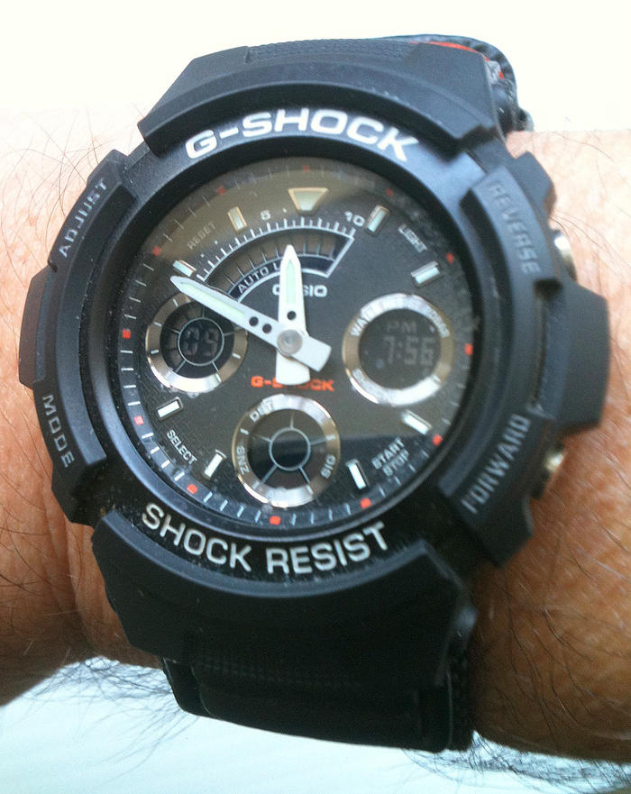 Click image for larger version.  Name:bape-casio-gshock-dw6900-watch-01.jpg Views:165 Size:41.2 KB ID:1696